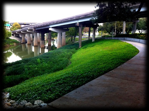 A photo of the Buffalo Bayou hiking trail in Houston, TX.